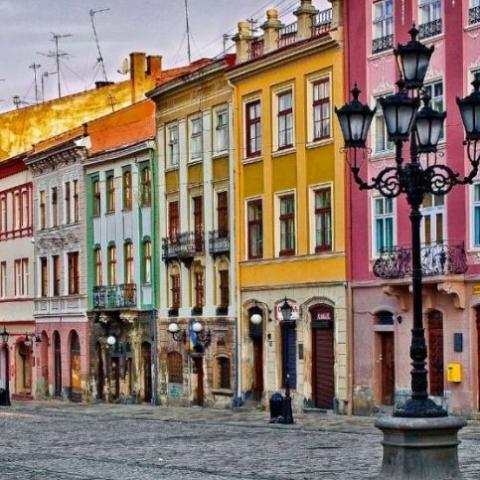 А как у них? Львов софинансирует замену окон и запрещает утеплять исторические дома