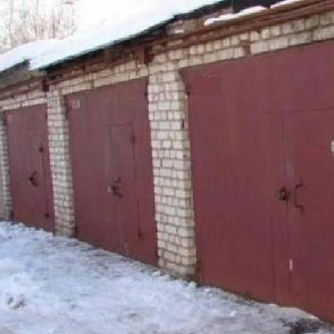 Члены гаражного кооператива возмущены строительством на их участках