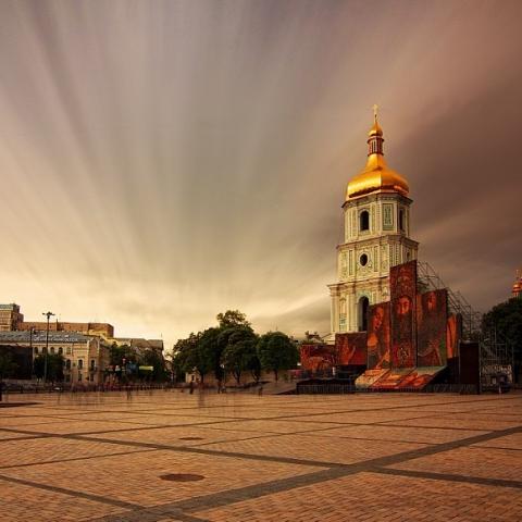 Депутат требует немедленно убрать свалку на Софиевской площади