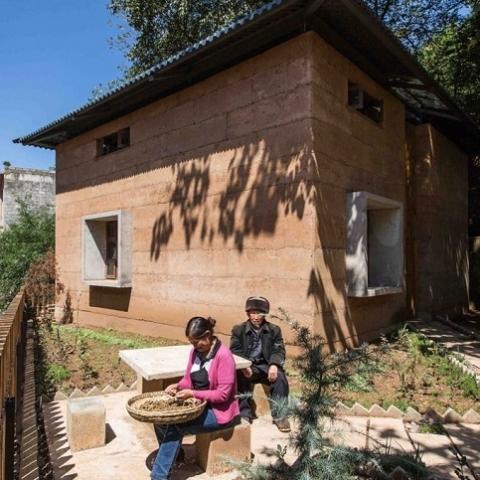 Дом из земли в китайской деревне