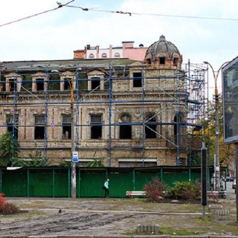 """Старинный дом могут отобрать у недобросовестного """"реставратора"""""""