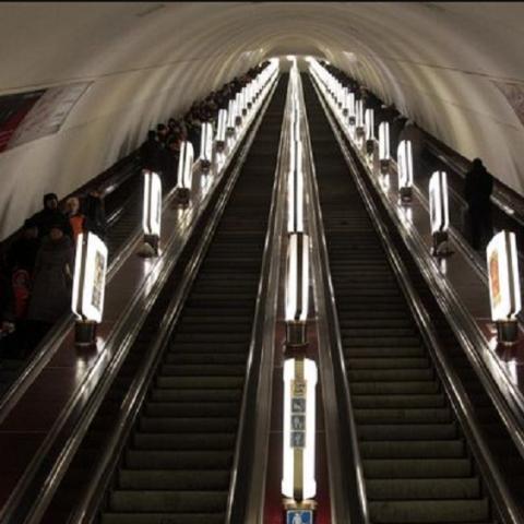Эскалаторы на четырех станциях метро нуждаются в полной замене
