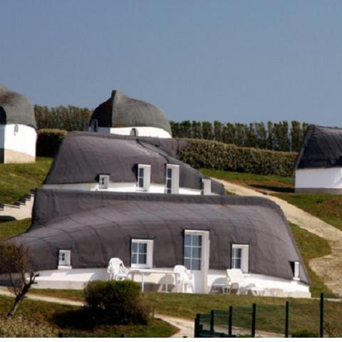 Французы решили возродить традицию строительства жилья из лодок