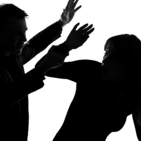 Из-за домашнего насилия  полиция может принудительно выселить из жилья