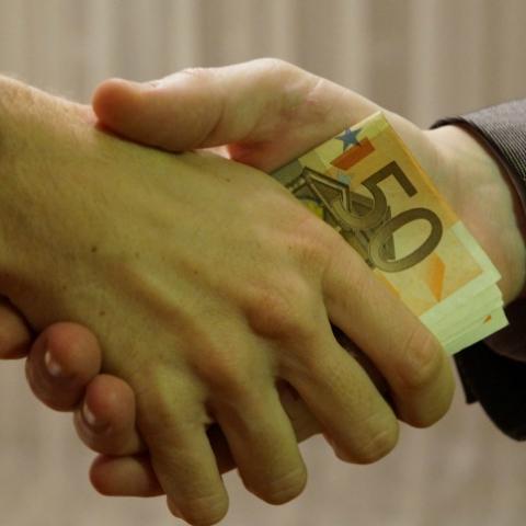 Как обезопасить себя при покупке квартиры — советы юриста