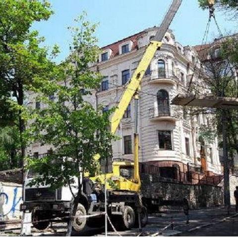 КГГА аннулировала разрешение на выполнение строительных работ на Круглоуниверситетской