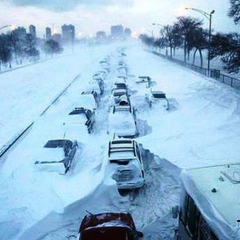 Киев объявил тендер на две снегоплавильные машины
