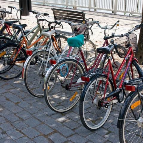 Киевгорстрой продает велопарковки на Горловской