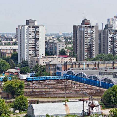 Киевляне просят продолжить строительство поликлиники в Дарницком районе