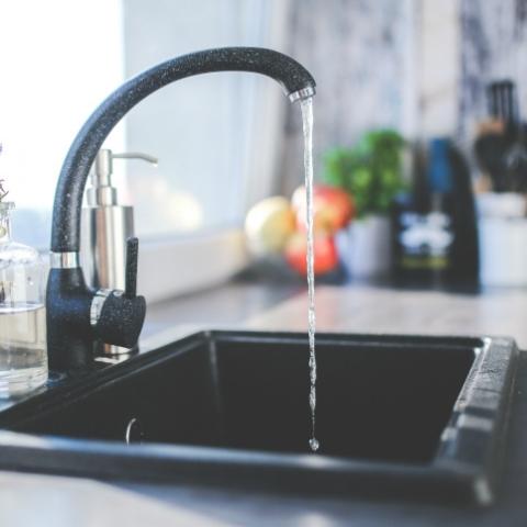 «Киевводоканал» опроверг информацию о распределении оплаты за воду на всех жильцов дома