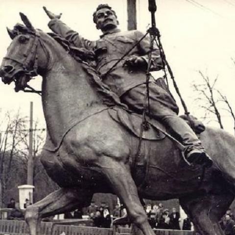 Кличко выступил против демонтажа памятника Щорсу в Киеве