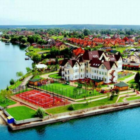 Коттеджные городки у воды: топ-5 предложений в Киевской области