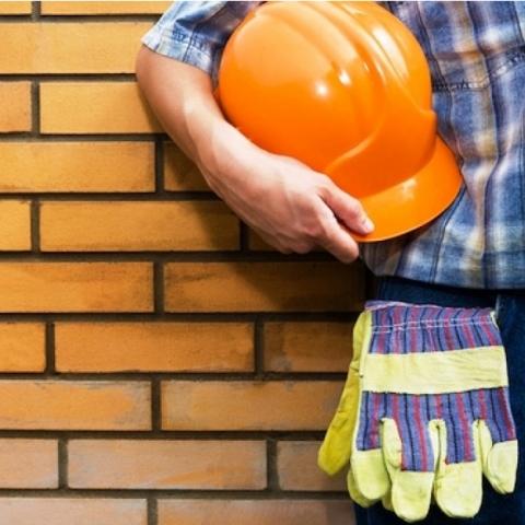 Минрегион может отказаться от фиксированной зарплаты для строителей