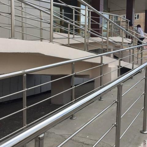 Минрегион намерен утвердить ГСН о доступности зданий для людей с инвалидностью