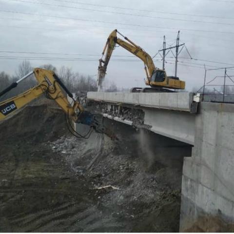 На місці скандального будівництва  демонтували шляхопровід