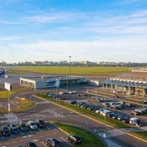 Возле взлетной полосы аэропорта Жуляны  разрешили строительство дома