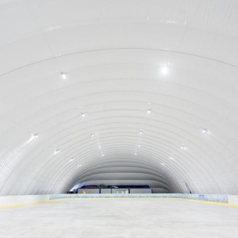 На ВДНХ открывают ледовую арену