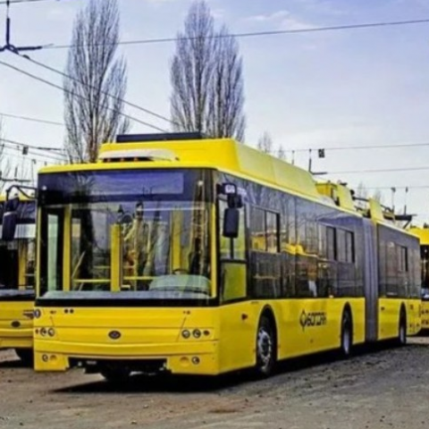 На Виноградарі реконструюють тролейбусну мережу