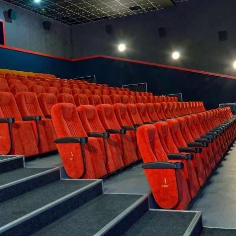 Хто і на яких умовах став орендарем кінотеатра Київ