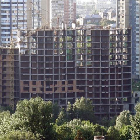 Народный депутат просит разрешить достроить дом на Старонаводницкой