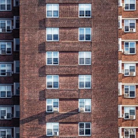 ОСМД может забрать у жильца-должника деньги или квартиру