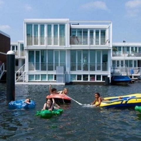 Плавучий район в Амстердаме ФОТО