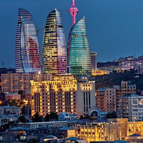 По примеру Баку будут реставрировать здания в Киеве