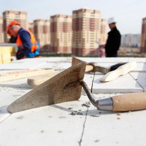 Подозрительное строительство обнаружили на проспекте Бажана