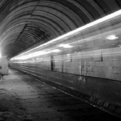 Порадовались и хватит: метро на Троещину снова отменяется