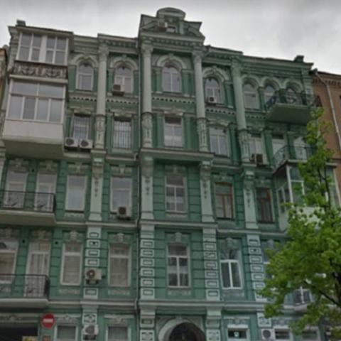 Ремонт квартиры грозит старинному дому разрушением