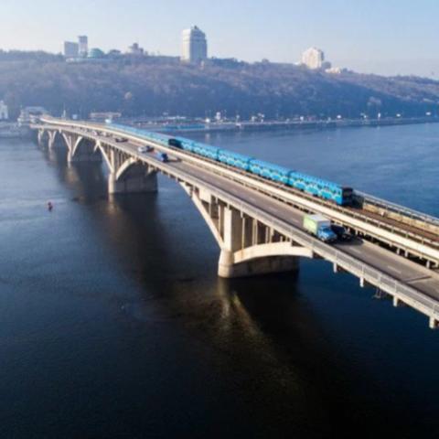 С сентября начнется капитальный ремонт моста Метро через Русановский пролив