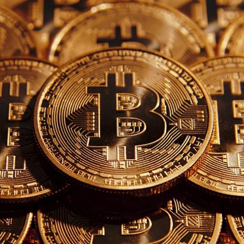 Скоро при покупке квартиры можно будет расчитываться в криптовалюте