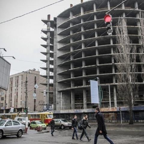 Совладелец KLO намерен достроить гигантский недострой на Глыбочицкой