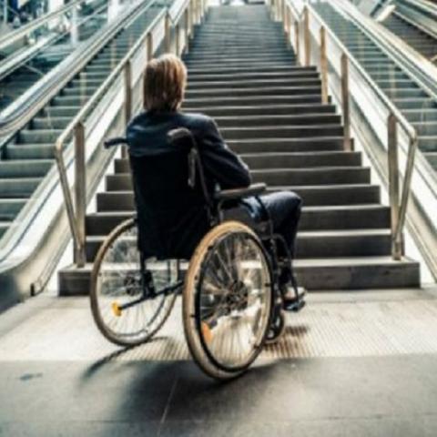 Столица практически не приспособлена для инвалидов
