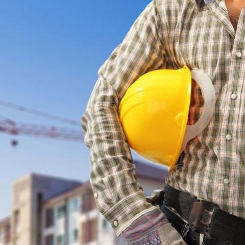 Строители в Украине получают заплату ниже средней номинальной