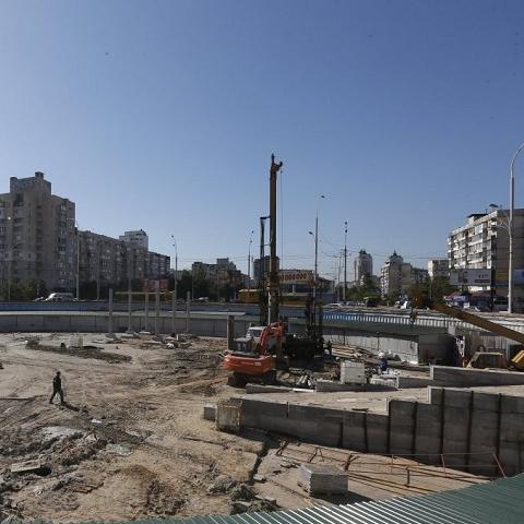 """Строительство над станцией """"Героев Днепра"""" не угрожает безопасности людей"""