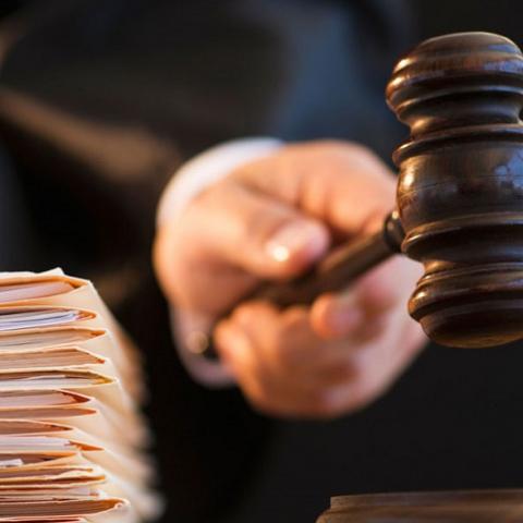 Суд обязал предприятие отдать 5 квартир военным