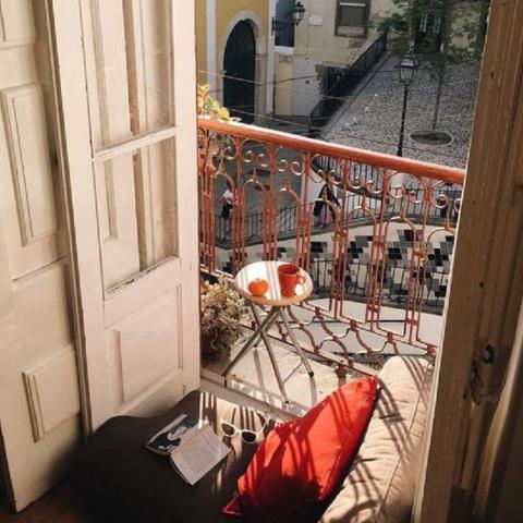 Творческий подход к оформлению балкона