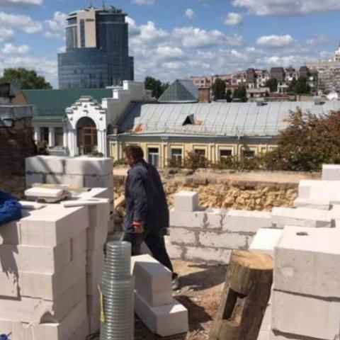 У КМДА заборонили надбудовувати поверх історичного будинку на Леонтовича