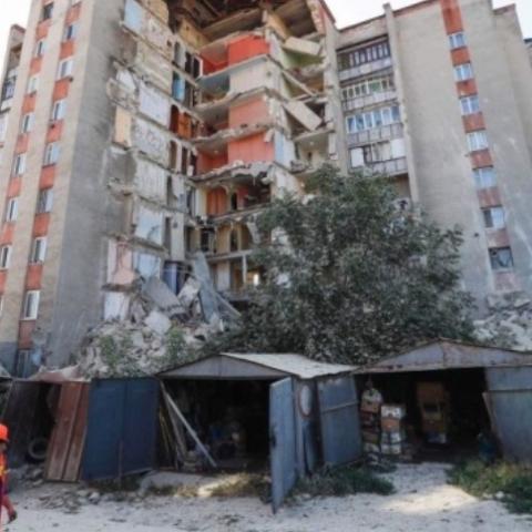 У Молдові на очах розвалився житловий будинок. Відео