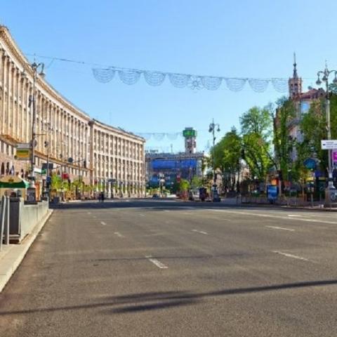 Улицу Крещатик в Киеве перекрыли до конца мая