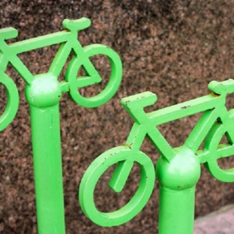 В Дарницком районе возле школ хотят установить велопарковки
