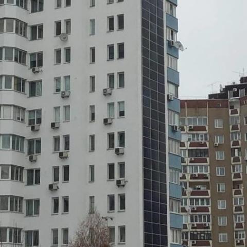 В Киеве многоэтажку перевели на возобновляемые источники энергии