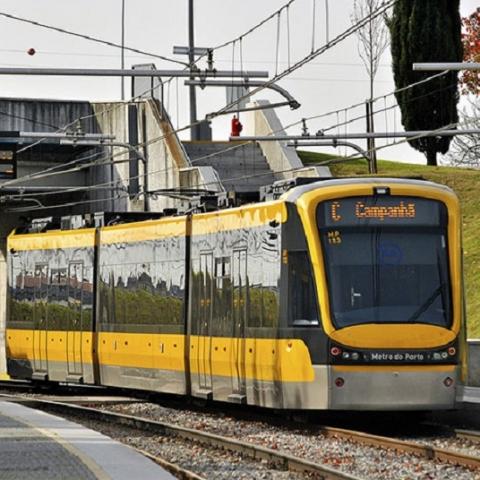 В Киеве начинают работу по реализации проекта tram-train на Троещину