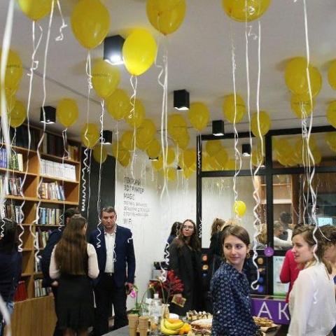 В Киеве  открыли первую библиотеку нового поколения в рамках проекта Bibliohub.Фото