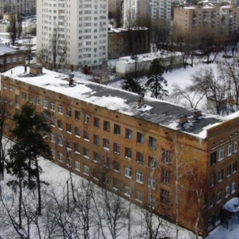 В Киеве помещение школы через суд забрали у арендатора