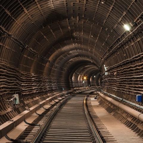 В Киеве пообещали объявить новый тендер по строительству метро на Троещину