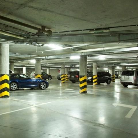 Не хватает паркомест. В Киеве  собираются превратить гаражные кооперативы в многоуровневые паркинги