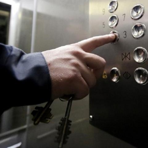 В киевских многоэтажках будут охранять счетчики и лифты