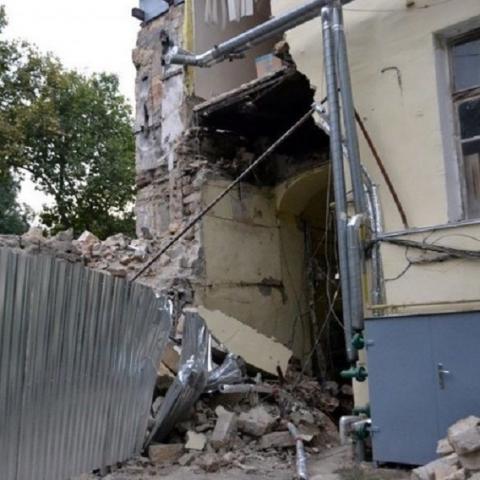 В Одессе рухнула стена жилого дома